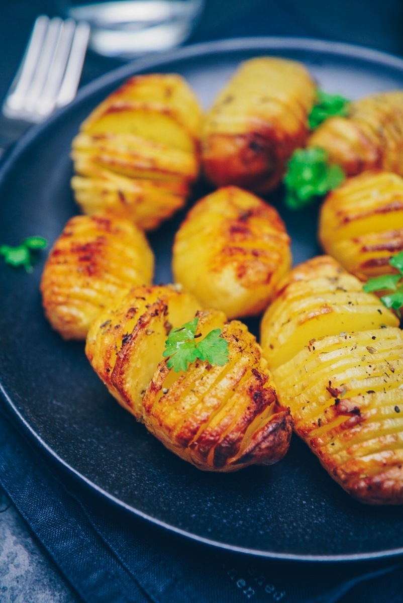 knusprige Fächerkartoffeln   crispy Hasselback Potatoes