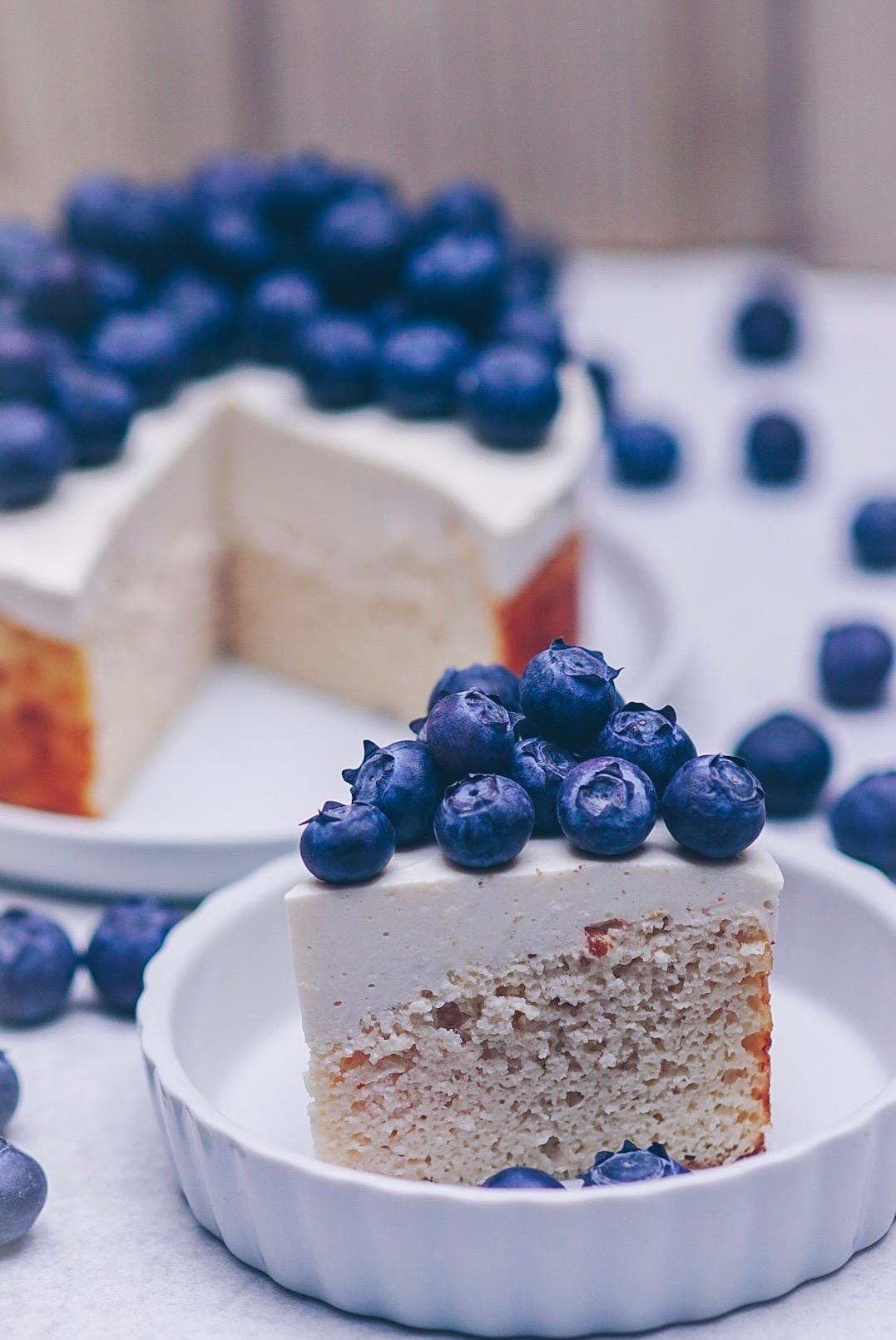 Kokos-Kuchen mit Blaubeeren