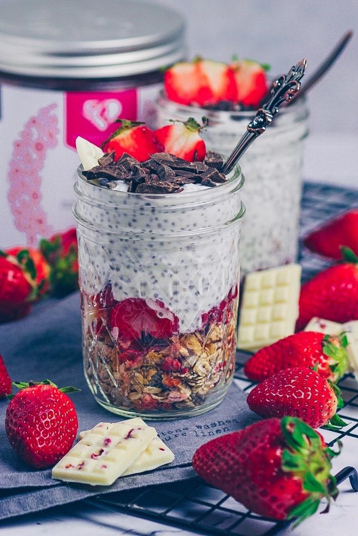 Erdbeer Chia Pudding mit Women's Best