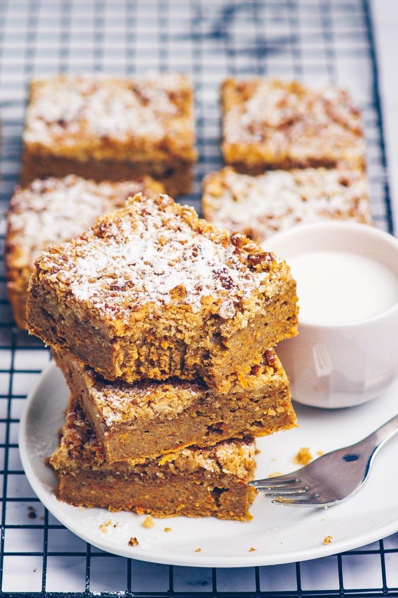 Möhrenkuchen mit Streusel - New York Carrot Crumb Cake