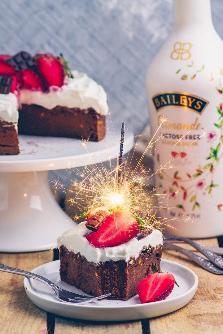 Baileys Kuchen mit Wunderkerze