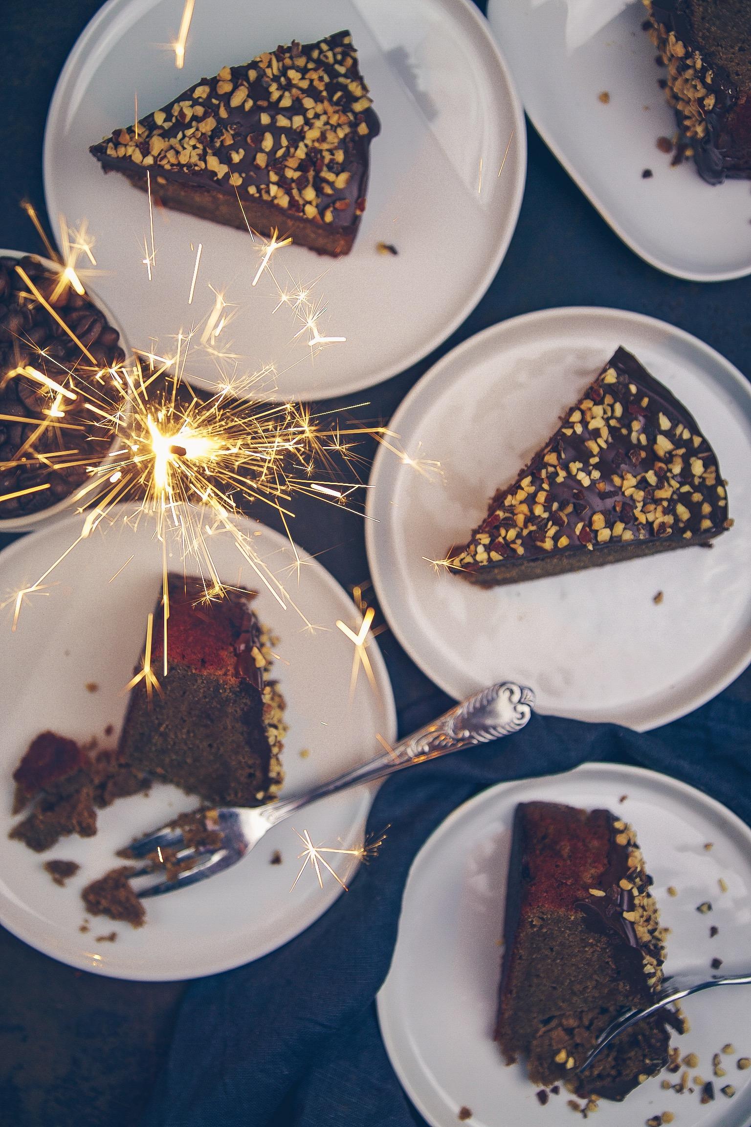 Erdnussbutter Kuchen mit dunkler Schokolade - Nougat Glasur